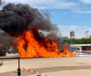 ECOPOL F3HC sur feu d hydrocarbure