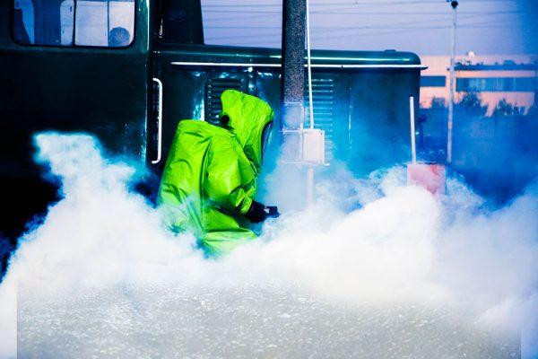 Beseitigung von giftigen Dämpfen nach Chemikalienunfällen