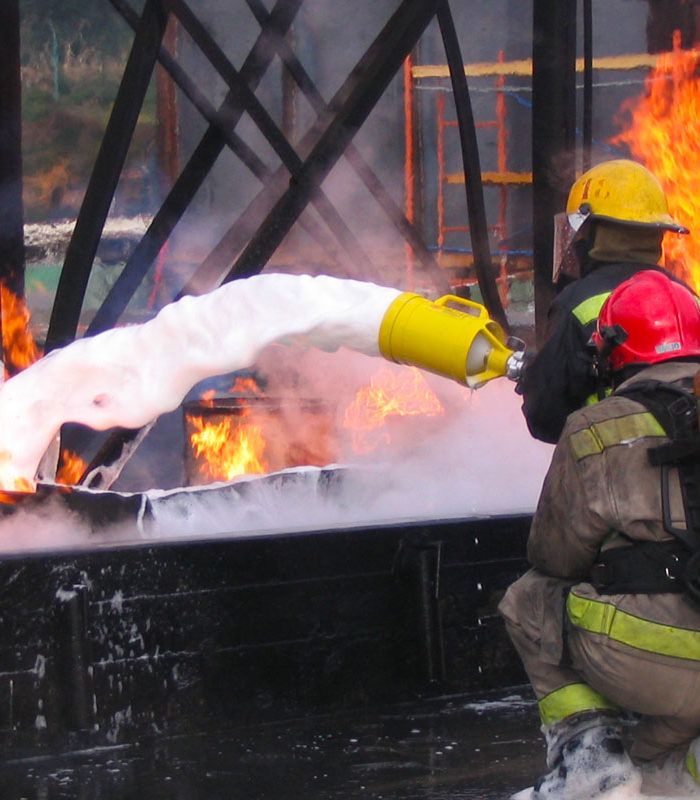 Feuerwehr Schaummittel zur Brandbekämpfung
