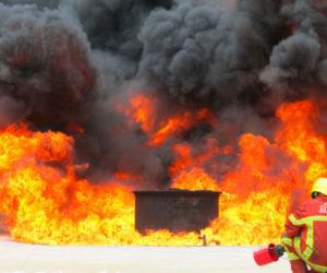 Espumógeno BIOFILM sobre fuego de hidrocarburos