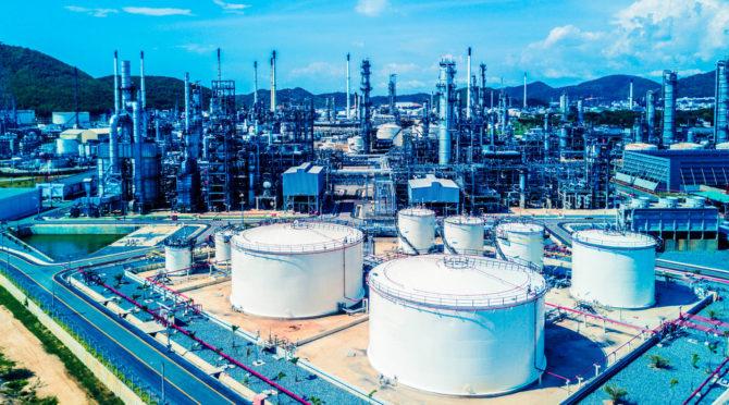 refinerías espumogeno