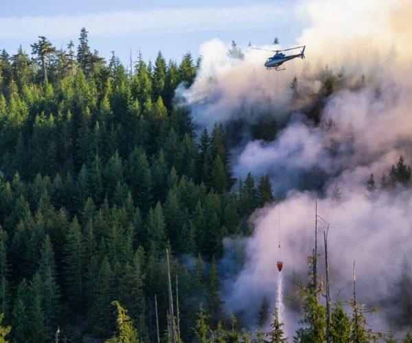 Helicóptero de espumógeno sin flúor