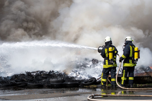 Firefighting foam concentrates on tyre fire